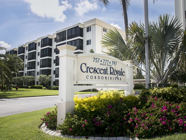 View of sign at Crescent Royale Condominiums